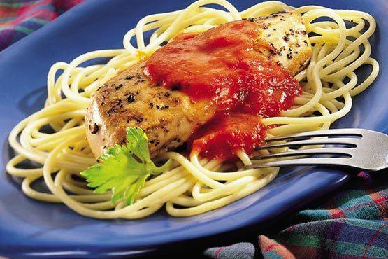 Garlic chicken pasta recipes . Garlic Chicken Pasta with Roasted Red Pepper Cream Sauce
