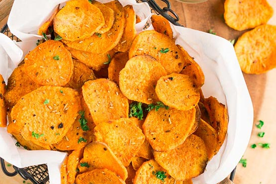 Recipes with sweet potatoes . Baked Sweet Potato Chips