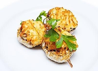 Mushrooms Stuffed with Ground Chicken
