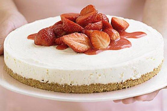 Easy cheesecake recipes . Strawberry cheesecake in 4 easy steps