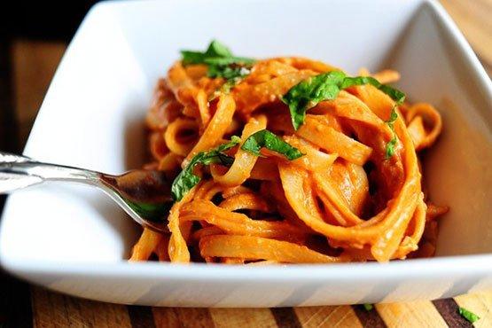 Easy recipes with pasta . Pasta with Tomato Cream Sauce