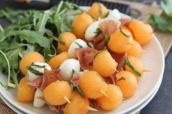 Recipes with melon . Melon Prosciutto & Mozzarella Sticks