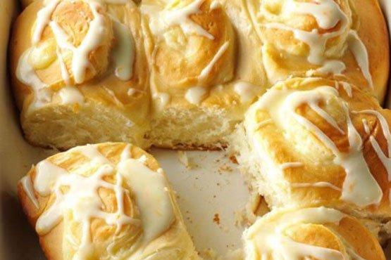 Recipes with orange . Orange Cheesecake Breakfast Rolls