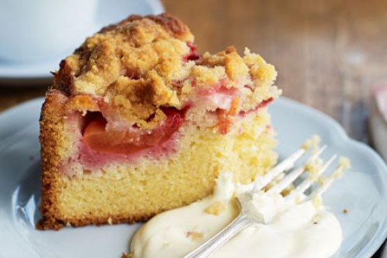 Recipes with plums . Plum crumble cake