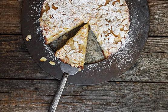 Pear cake recipes . Italian Pear Almond Cake