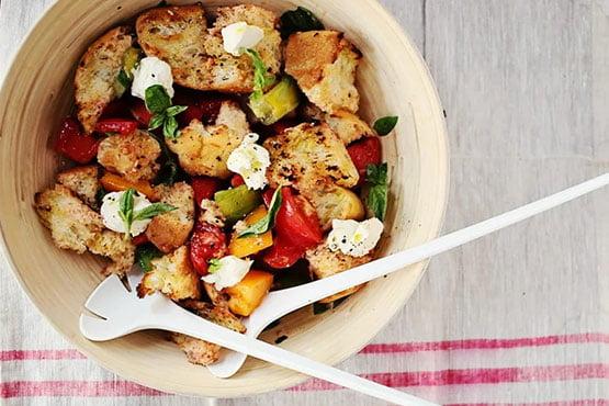 Easy recipes with bread . Grilled Panzanella (Tomato & Bread Salad)