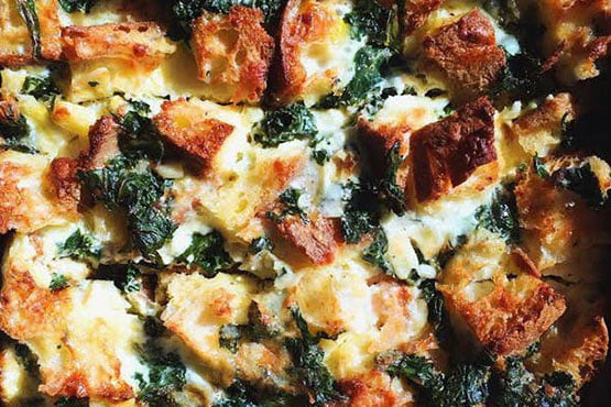 Easy recipes with bread . Kale & Cheddar Breakfast Strata