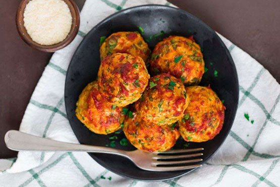 Healthy meatballs recipe easy and delicious . Baked Chicken Meatballs
