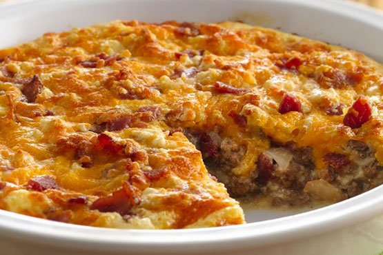 Recipes with hamburger meat and bacon . Impossibly Easy Bacon Cheeseburger Pie