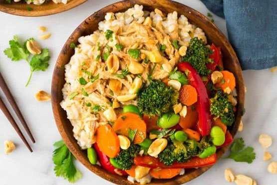 Recipes with peanut . Easy Peanut Chicken with Veggies and Rice