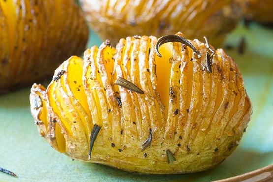 Crispy Hasselback Potatoes with Rosemary and Garlic