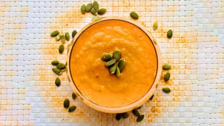 Great Nutritious Carrot, Turmeric, and Ginger Smoothie