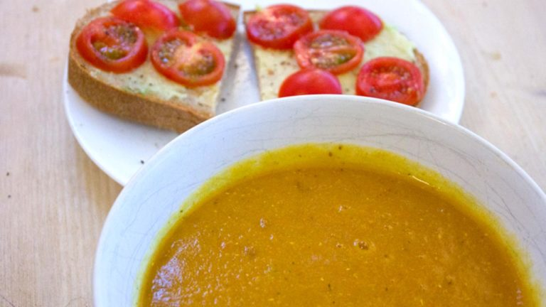 Spicy Vegan Red Lentil Soup Recipe