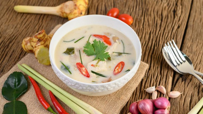 Thai Coconut Soup with Noodle and Chicken breasts