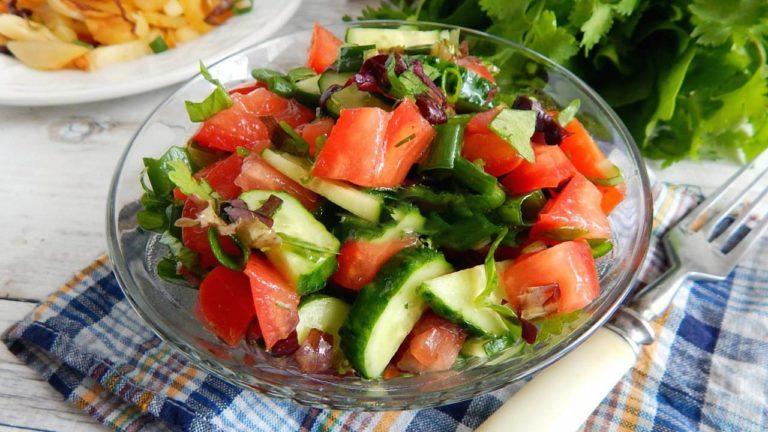 Easy Tomato Cucumber Salad Recipe